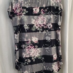 Maurices Tops - Maurices 24/7 Floral striped t shirt